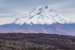 Wspina si? Bolshaya Udina, powulkaniczny masywny, jeden powulkaniczny kompleks na Kamchatka, Rosja obrazy stock
