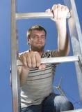 wspinaczkowy drabinowy mężczyzna Zdjęcia Stock