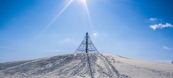 Wspinaczkowy stojak na górze wzgórza obraz royalty free