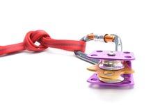 Wspinaczkowy wyposażenie - pulley, arkana, carabiner odizolowywający na białym tle Obraz Royalty Free