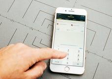 Wstern在iPhone 7的联合货币调动app加上应用 库存图片