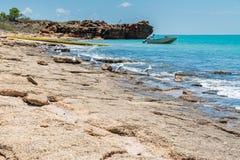 Wszczynać łódź w tropikalnej wodzie Broome obraz royalty free