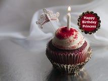 Wszystkiego Najlepszego Z Okazji Urodzin Princess świętowania babeczka Zdjęcia Royalty Free