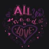 Wszystko ty potrzebujesz jest miłością, ręka pisać piszący list odzieży koszulki des royalty ilustracja