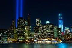 WTC纪念品: 在光的进贡 库存图片
