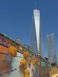 WTC y pared conmemorativa del cartel Fotografía de archivo libre de regalías