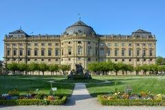 Wuerzburg podwórze i siedziba uprawiamy ogródek na słonecznym dniu zdjęcia stock