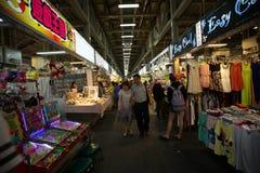 Wufenpu, Taiwan è più noto per il mercato all'ingrosso dell'indumento fotografie stock