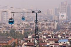 Wuhan stadsplats - kabelbil Arkivbild