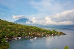 Wulkan Agung i Amed plaża, Bali Zdjęcia Royalty Free