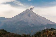 Wulkan Colima jest spokojny zdjęcia royalty free