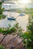 Wunderbare romantische Sommerabendlandschaftspanoramaküstenlinie A Lizenzfreies Stockfoto