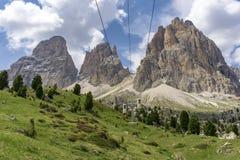Wunderbare Sommeransicht von Sassolungo dolomites Italien lizenzfreies stockbild