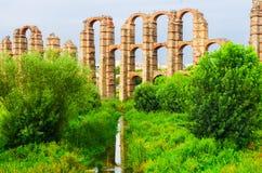 Wunderbarer Aquädukt Stockfoto