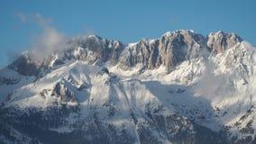 Wunderbares Panorama von Monte Pora zu Presolana nach Schneefälle Orobie Prealps, Bergamo Stockfoto