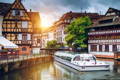 Wunderliche gezimmerte Häuser von Petite France in Straßburg, Frankreich f lizenzfreie stockfotografie