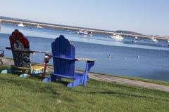 Wunderliche Sitze auf Plymouth-Bucht Stockfotos
