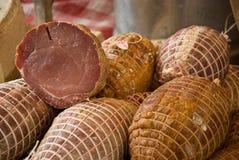 Wurst an einem französischen Markt Stockbild