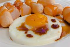 Wurst und Ei stockfotos
