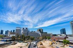 Wurunjery-Weise mit Baustelle und Stadt der Betäubung Melbourne Lizenzfreie Stockfotos