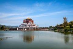 Wuxi Lingshan sceniskt område fem Yin Tan City för jätte- Buddha Royaltyfria Bilder