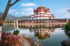 Wuxi Lingshan sceniskt område fem Yin Tan City för jätte- Buddha Royaltyfri Fotografi