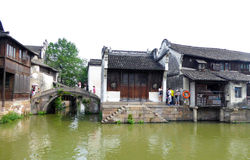 Wuzhen stone bridge and houses Royalty Free Stock Image