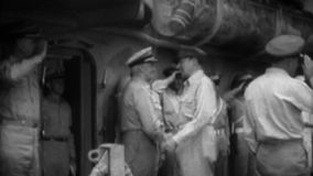 WW2 - Στρατηγός Douglas MacArthur Arrives For ιαπωνική παράδοση απόθεμα βίντεο
