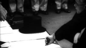 WW2 - Japanisches Zeichen-Auslieferungs-Dokument stock video