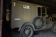WWi restaurou o caminhão americano da fonte do corpo expedicionário foto de stock