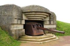 WWII Canon en Longues-Sur-Mer foto de archivo