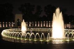 WWII Denkmal nachts Lizenzfreie Stockfotografie