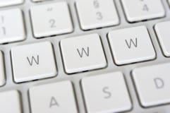 WWW escrito en claves Imágenes de archivo libres de regalías