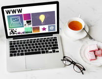 WWW för massmedia för programvara för Websitedesign UI begrepp Arkivfoto