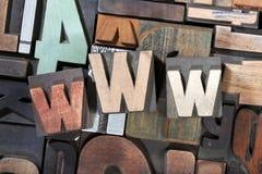 WWW geschrieben mit antiker Briefbeschwererart Lizenzfreie Stockfotos
