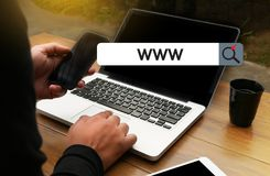 WWW-Website-on-line-Internet-Webseitencomputer Browser-Verbindung Lizenzfreie Stockfotografie