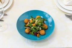 Wyśmienity jedzenie naczynie Restauracja menu rozkaz Wyśmienity naczynie, kreatywnie restauracyjny posiłku pojęcie, haute mod jed zdjęcie royalty free