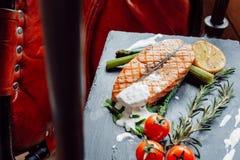 Wyśmienicie łososiowy stek z tomates Zdjęcie Stock