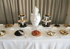 Wyśmienicie śniadaniowy deserowy bufet przy Masseria Torre Coccaro kurortem obrazy stock