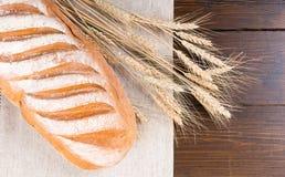 Wyśmienicie białego chleba banatki i bochenka badyle Obrazy Royalty Free
