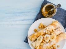 Wyśmienicie bliny z banana i karmelu jabłkami Zdjęcie Stock