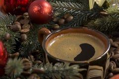 Wyśmienicie czarna kawa, świerkowy votki, wystrój Zdjęcia Royalty Free