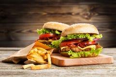 Wyśmienicie dłoniaki i hamburger zdjęcia stock