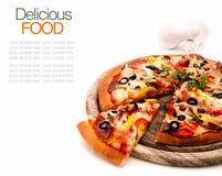 Wyśmienicie domowej roboty pizza z baleronem zdjęcia royalty free