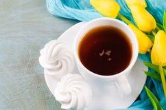 Wyśmienicie filiżanka gorąca herbata i Zdjęcia Stock