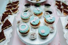 Wyśmienicie galanteryjny ślubny tort Zdjęcie Royalty Free