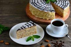 Wyśmienicie kawałek esterhazy tortowy torte Ranek kawa espresso z deserem Tło z odbitkową przestrzenią Fotografia Stock