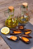 Wyśmienicie owocych morzy mussels z pietruszką i cytryną obrazy royalty free
