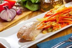 Wyśmienicie Piec na grillu kurczak pierś polędwicowa Obrazy Royalty Free