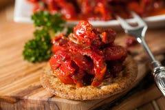 Wyśmienicie pieprzowa sałatka z cebula pomidorami i pieprzami Fotografia Royalty Free